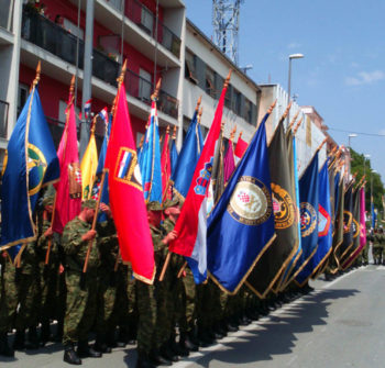 Knin-postroj-zastava-ratnih-postrojbi-05082015-02-roberta-f